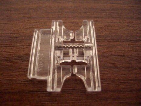 Pfaff Biesen-Zierstichfuß (13) 9mm Kategorie F G