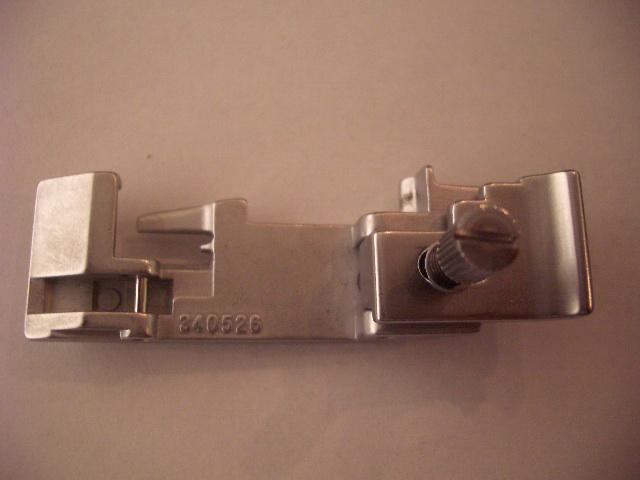 Pfaff OV Gummibandannähfuß 340526 Modell 776, 783, 784, 786, 788,